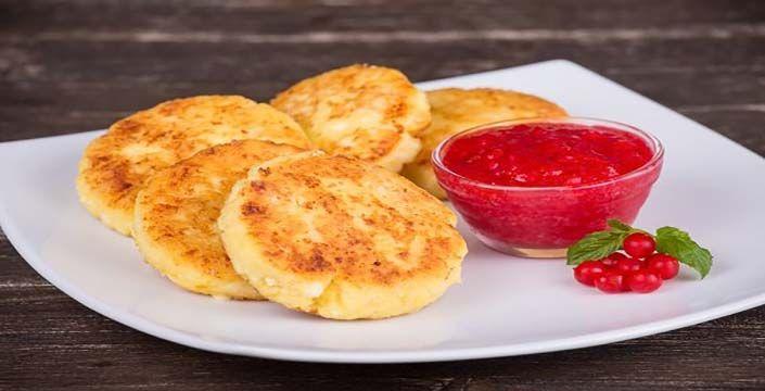 طريقة عمل فطائر البطاطس المحمرة بالجبن