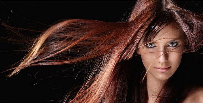 6 طرق طبيعية لفرد شعرك وأطالته فى المنزل