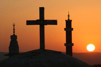 أقباط مصر ومسلموها متماثلون تماما.. إلا أن أحدهم يذهب للجامع والآخر إلى الكنسية