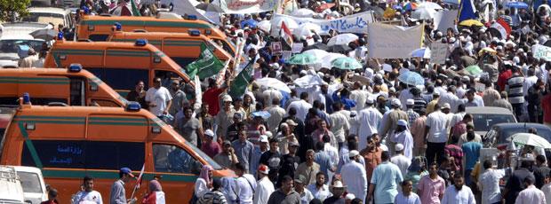 الدكتور عادل عدوي: تم نقل 40 مصابا بسيارات الإسعاف عدسة أحمد جميل