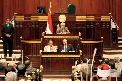 مشروع الدستور النهائي سيقدّم للرئيس يوم السبت القادم